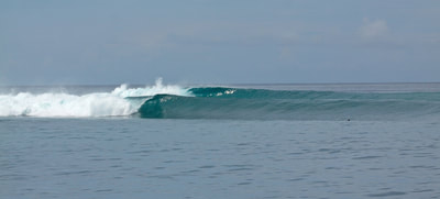 surf wave lances left mentawais islands kingfisher resort