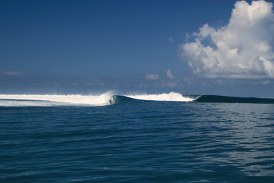 telescopes surf  spot waves mentawais islands